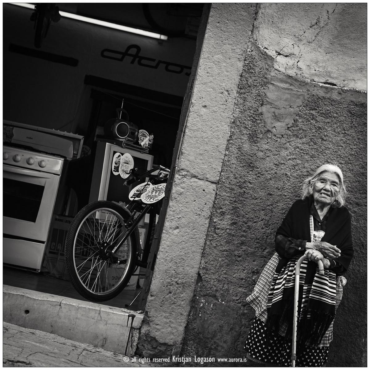 Old woman In san Miguel de allende